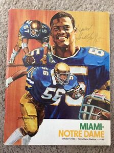 1982-NOTRE-DAME-FOOTBALL-VS-MIAMI-FOOTBALL-PROGRAM-SIGNED-HOWARD-SCHNELLENBERGER