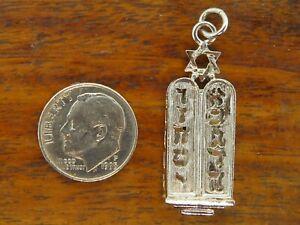 Vintage-silver-JEWISH-STAR-DAVID-TORAH-SCROLL-TEN-COMMANDMENTS-charm-PENDANT