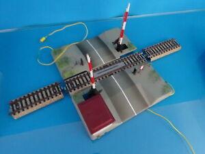 Marklin-7192-Electric-Level-Crossing-OVP-M-Track