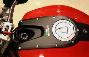 EVOTECH-KIT-VITI-SERBATOIO-IN-ERGAL-PER-DUCATI-MONSTER-696