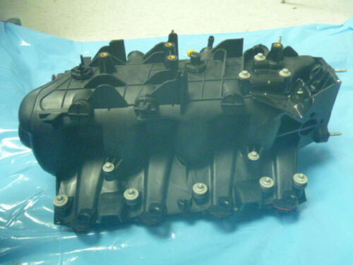 New V8 01 02 Chevrolet GMC Cadillac Upper Intake Manifold without EGR Opening OE