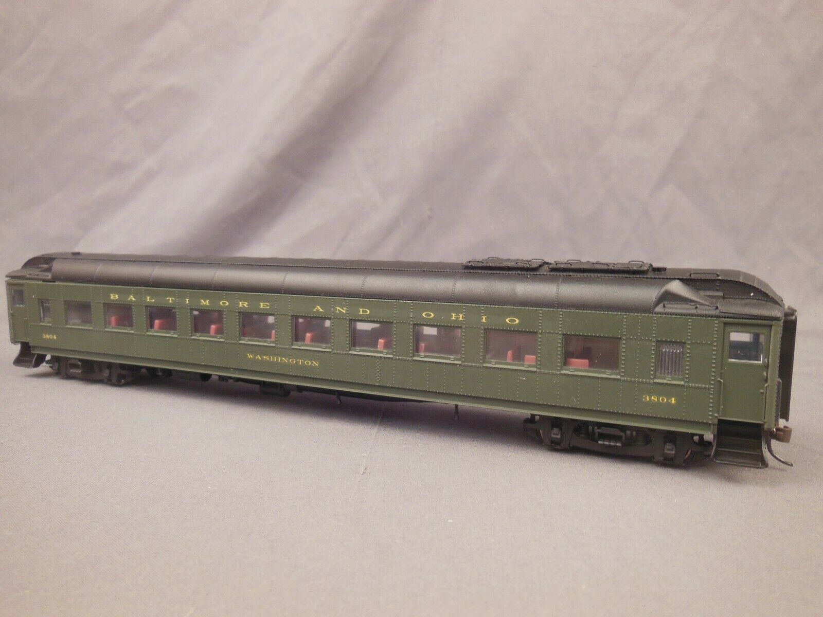 HO SCALE WALTHERS BALTIMORE & OHIO CHAIR CAR W INTERIOR PASSENGERS LIGHTING