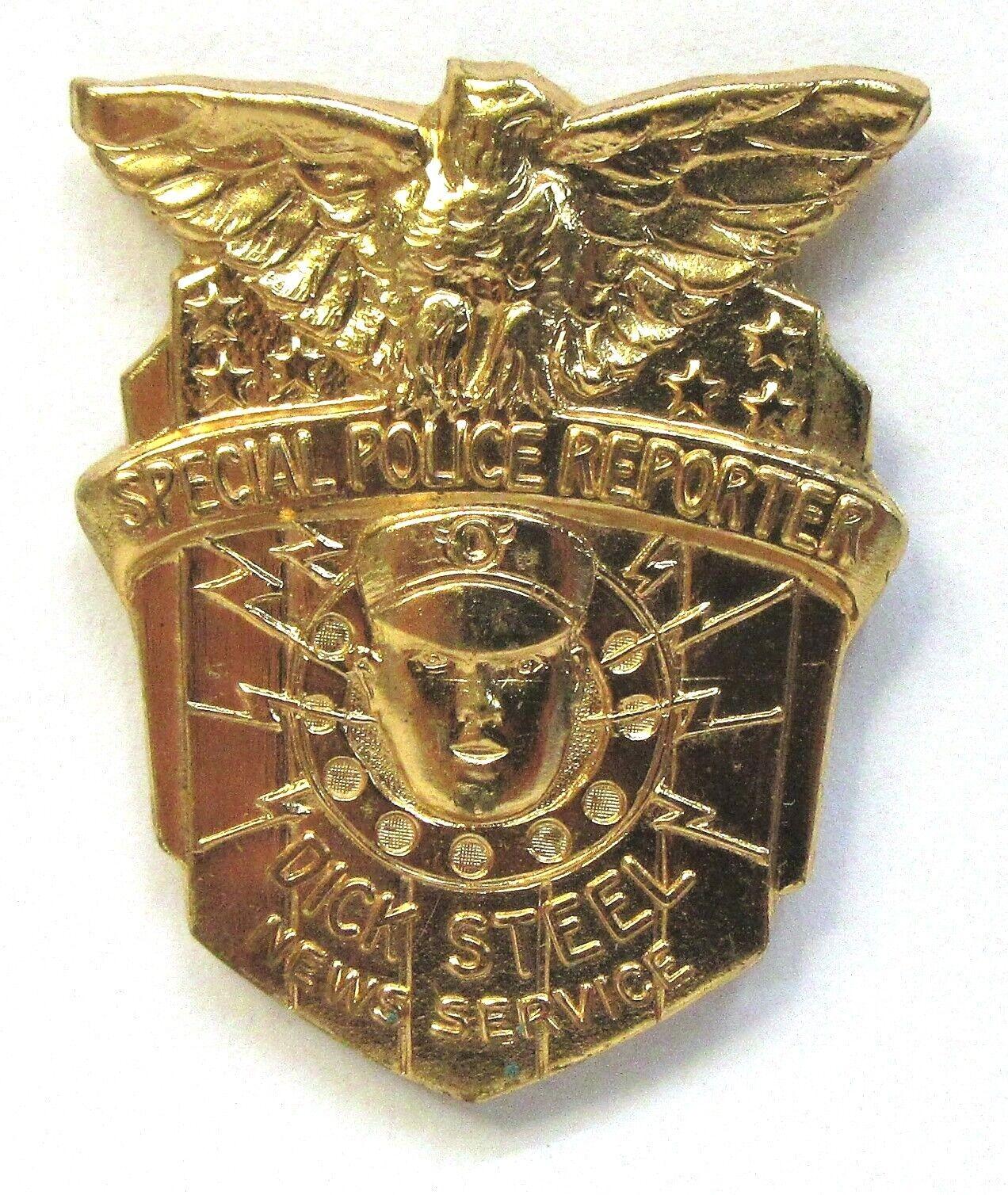 1934 Dick Acero reportero especial de la policía radio insignia Pinback Alta Calidad Premium