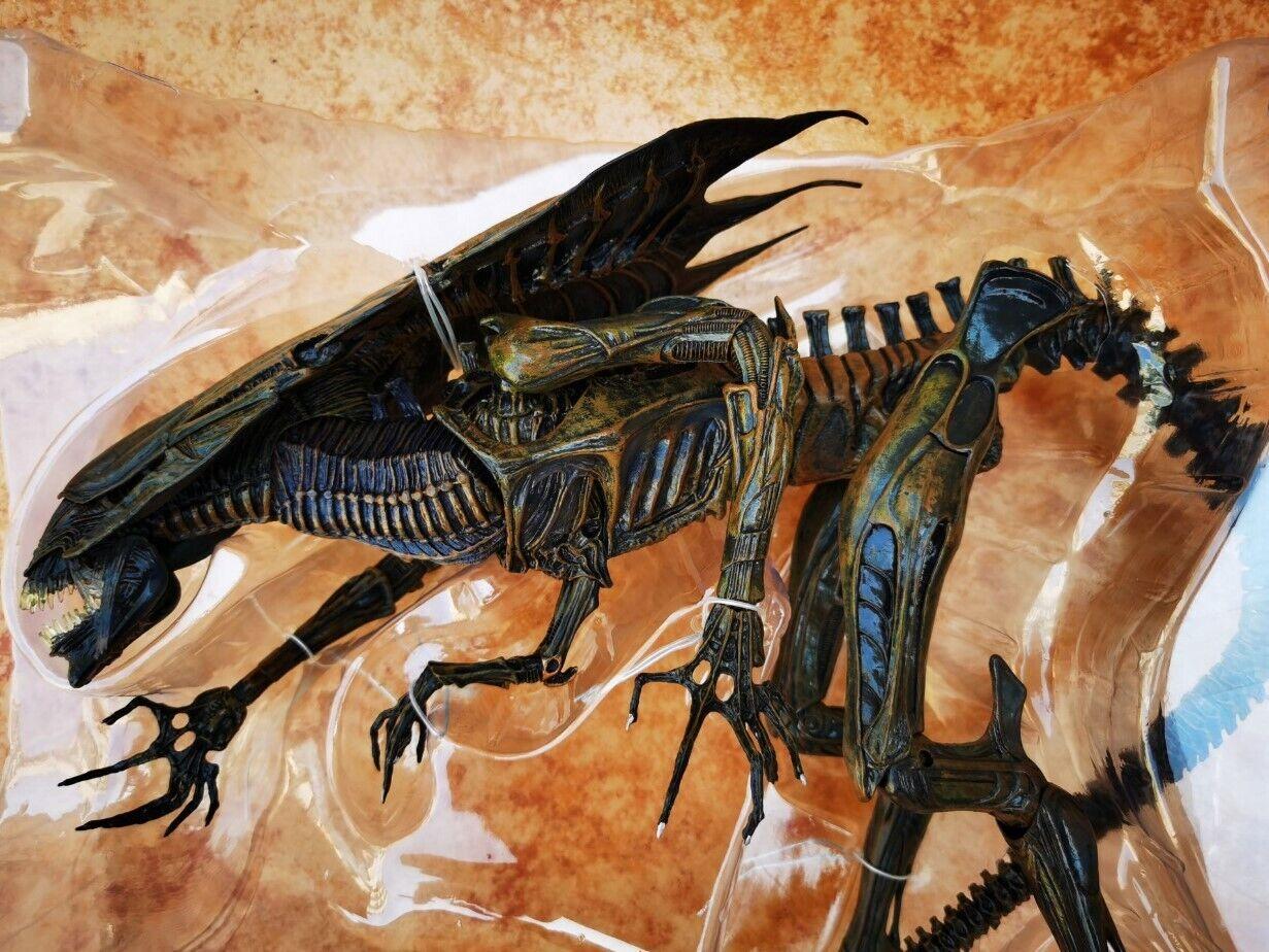 NECA Alien Queen Ultra Deluxe Alien resurrección Producto Oficial en Caja