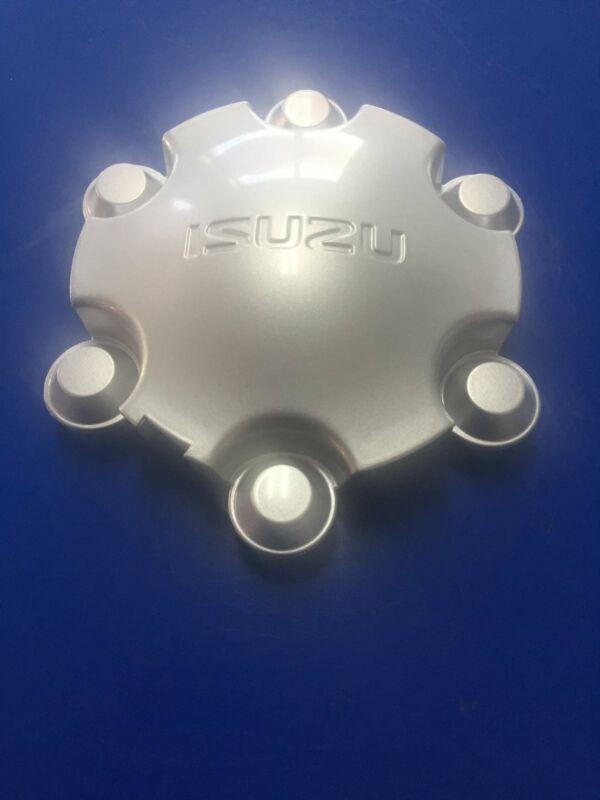 ISUZU WHEEL HUBS CAPS