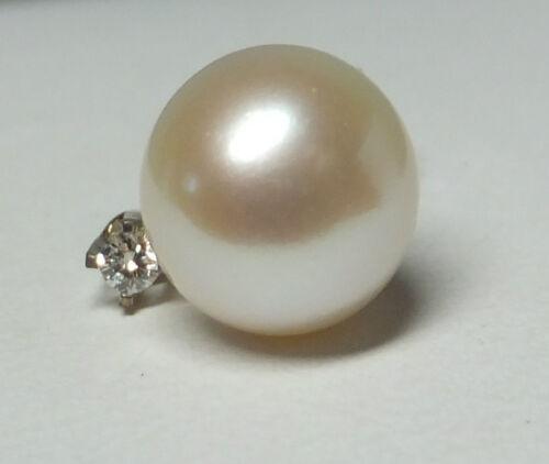 Brand New 14 Karat White Gold Genuine 7mm Cultured Pearl /& Diamond Post Earrings