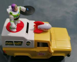 Toy-Story-Pizza-Planet-Van-avec-tir-Disques-Buzz-et-caractere