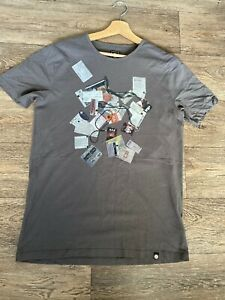 MENS-PRETTY-GREEN-BBROWN-T-SHIRT-SIZE-SMALL-SHORT-SLEEVE-TOP-TEE-CASUAL-GRAPHICS