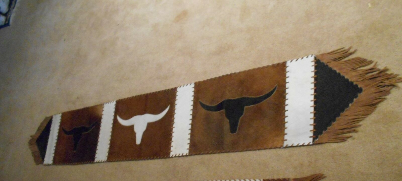 Western bovin Longhorn Decor Table Runner 14X84 Texas Longhorn décor  56 Tan