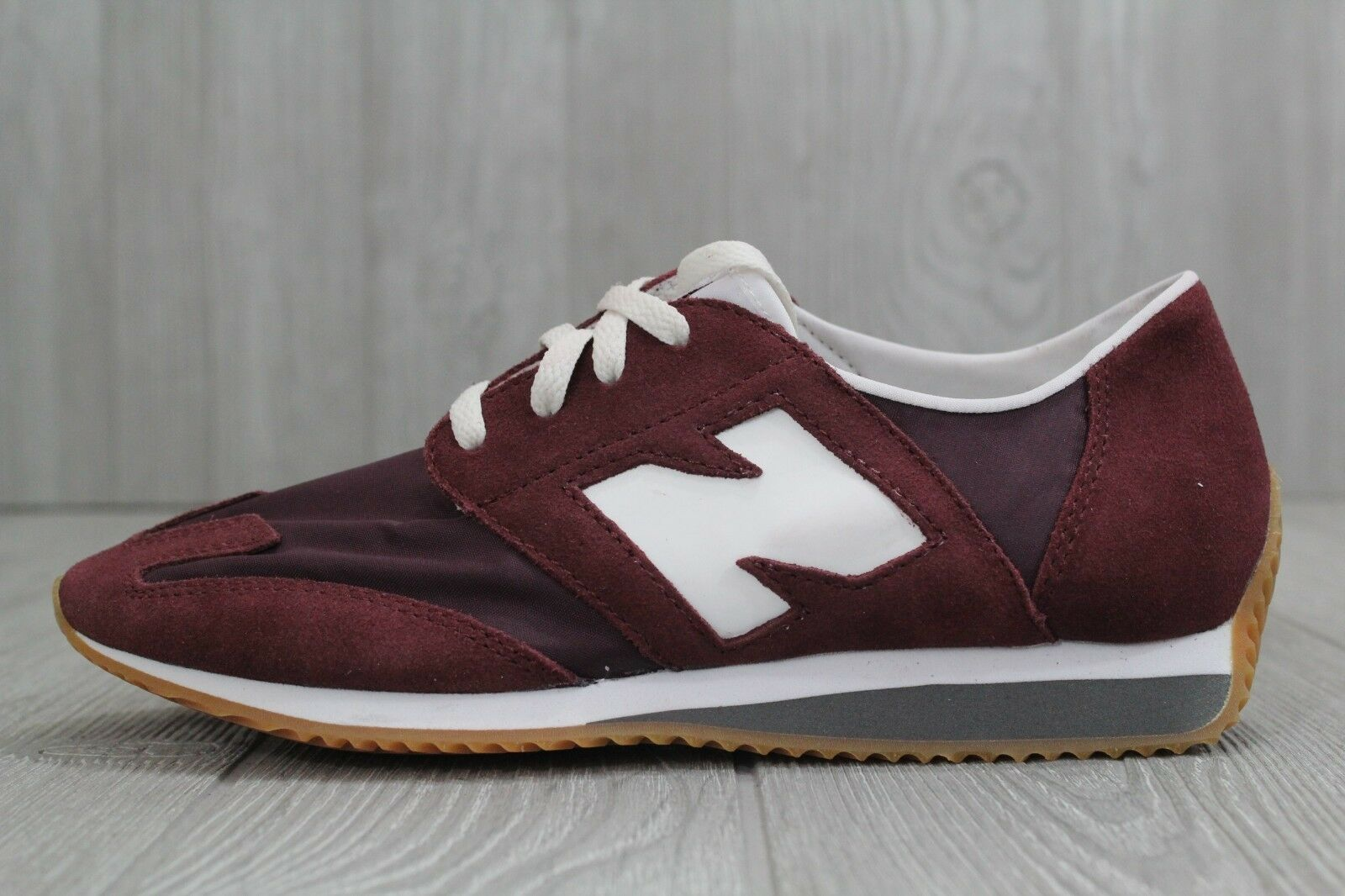 30 New Balance U320AE Burgundy White Men's Shoes Size US 6.5 D New Sneakers