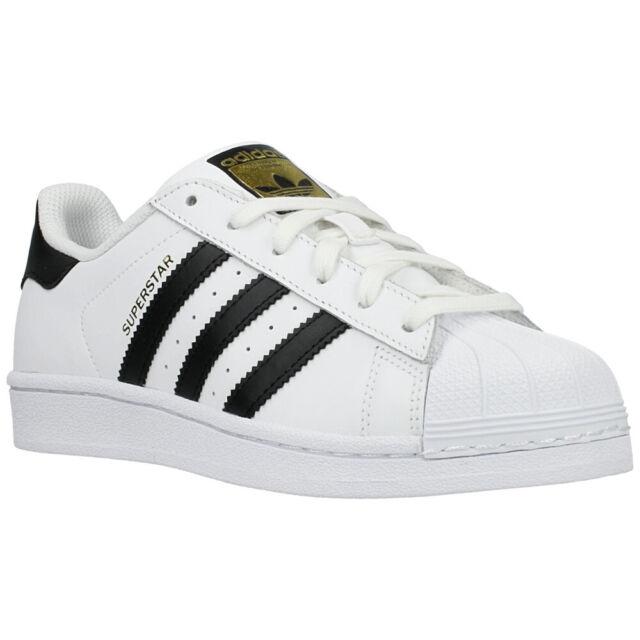 B23642-E-BLK//WHT Size 4 Black//White adidas Superstar Foundation Boys//Girls Style