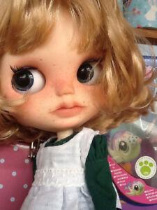 Ooak Custom Blythe Par Brit.ma.kiss, jolie fille, con Ropa, avec des vêtements