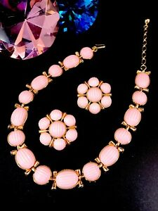 1956-CROWN-TRIFARI-GOLD-PINK-MELON-THERMOSET-BRAZIL-COLLAR-NECKLACE-EARRING-SET
