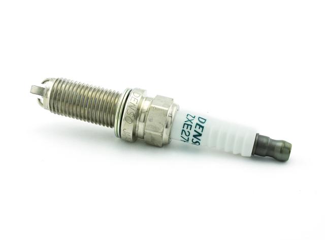 Toyota 86 2.0L OEM Spark Plug SU003-04931 Scion 13-16 FR-S Genuine