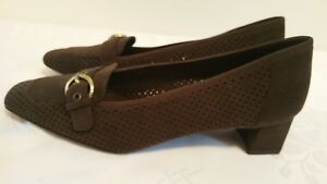 NWOB-Stuart-Weitzman-Slip-On-Heel-Loafer-Brown-Suede-Perforated-Womens-Size-8-M