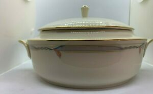 Large-Round-Covered-Vegetable-Gramercy-6-034-Opening-Bowl-and-Lid-Lenox-Gramercy
