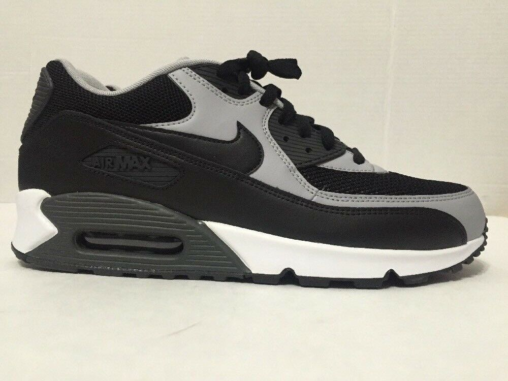 Nike 537384-053 Mens Black/Wolf Grey Air Max 90 Essential Running Shoes Size 8.5