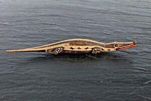 Vintage-Alligator-Wood-Spanish-Folk-Art-Carving-Figurine-Signed-amp-Dated