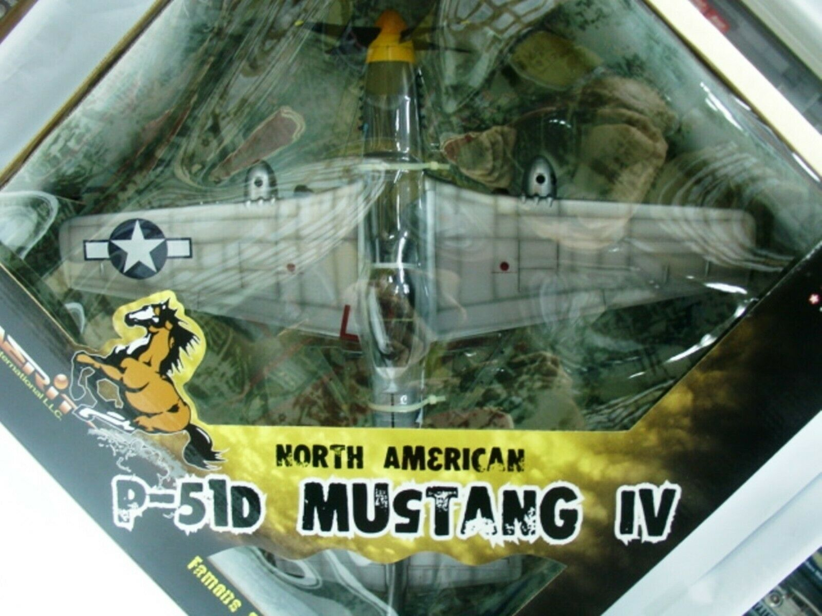 Extra Rare Mustang P-51D faible Eagle eagleston 1945 Entièrement neuf dans sa boîte 1 24 Merit-WITTY WINGS