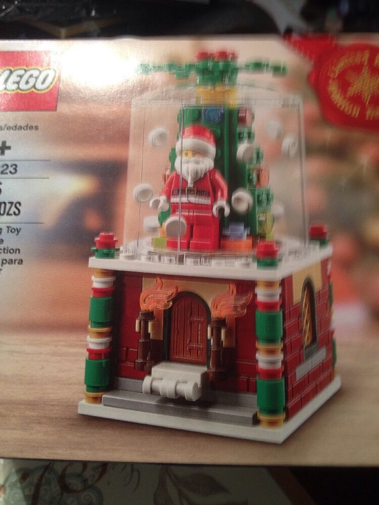 LEGO 40223 Snowglobe Limited Edition 2016 Holiday NEW Ready to ship