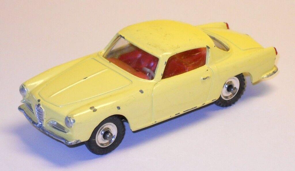 Schäbiges spielzeug alfa - romeo - coupé in sehr gutem zustand