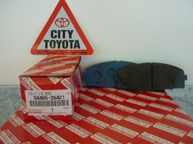 New Toyota Genuine Front Brake Pads Suit Hiace 8/09-Current 0446526421