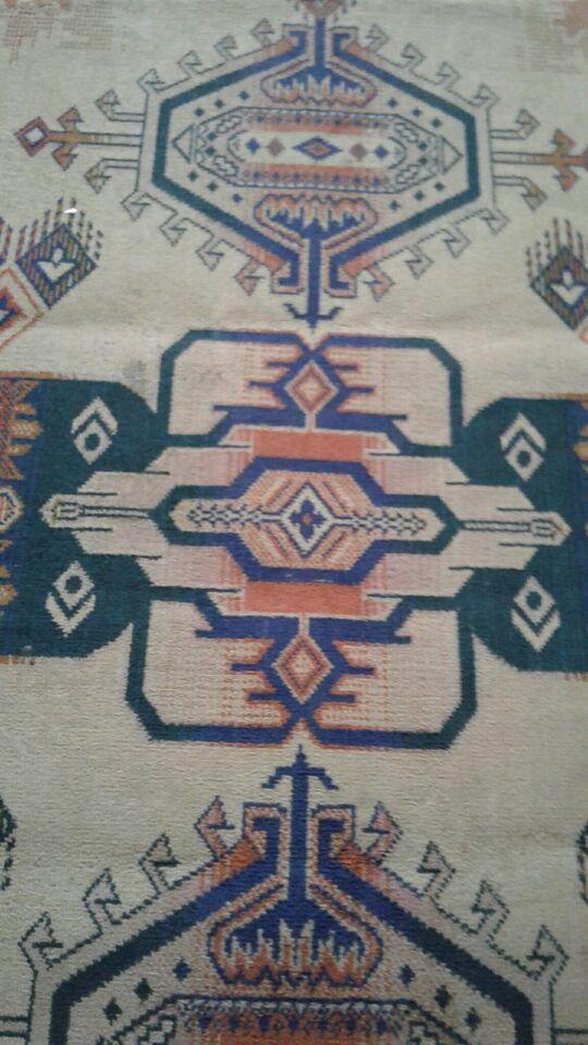 Løse tæpper, Viskose. Lidt bomuld., b: 69 l: 108