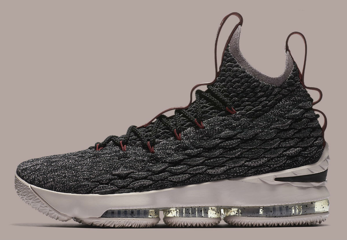 Nike Lebron XV 15 size 12. Pride of Ohio. Black Taupe Grey. 897648-003. red
