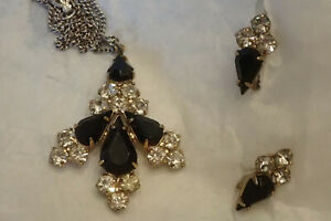 Vintage-Set-Screw-Back-Earrings-Necklace-Sterling-Goldtone-Black-Pendant