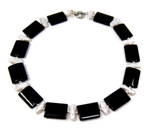 Bezaubernde Edelsteinkette aus Onyx in Rechteckform und hochwertigen Biwaperlen