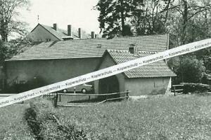Weißenbach - Gemeindebackofen im Dorf  - wohl um 1950 - S 25-8
