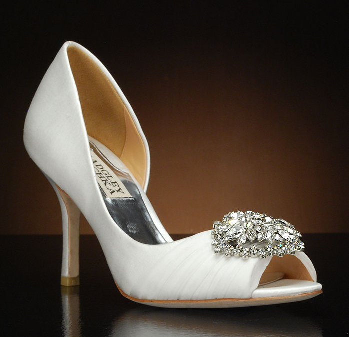 Badgley Mischka, PEARSON SATIN EMBELLISHED PUMP, bianca 7.5