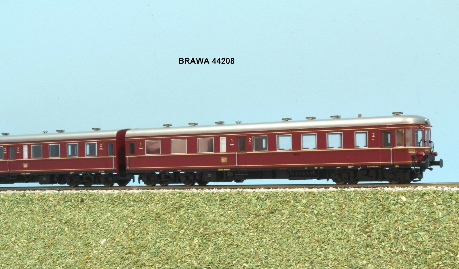 Brawa 44208 DB Road Train 2 pcs VT 137 Stettin EP. III White and red livery