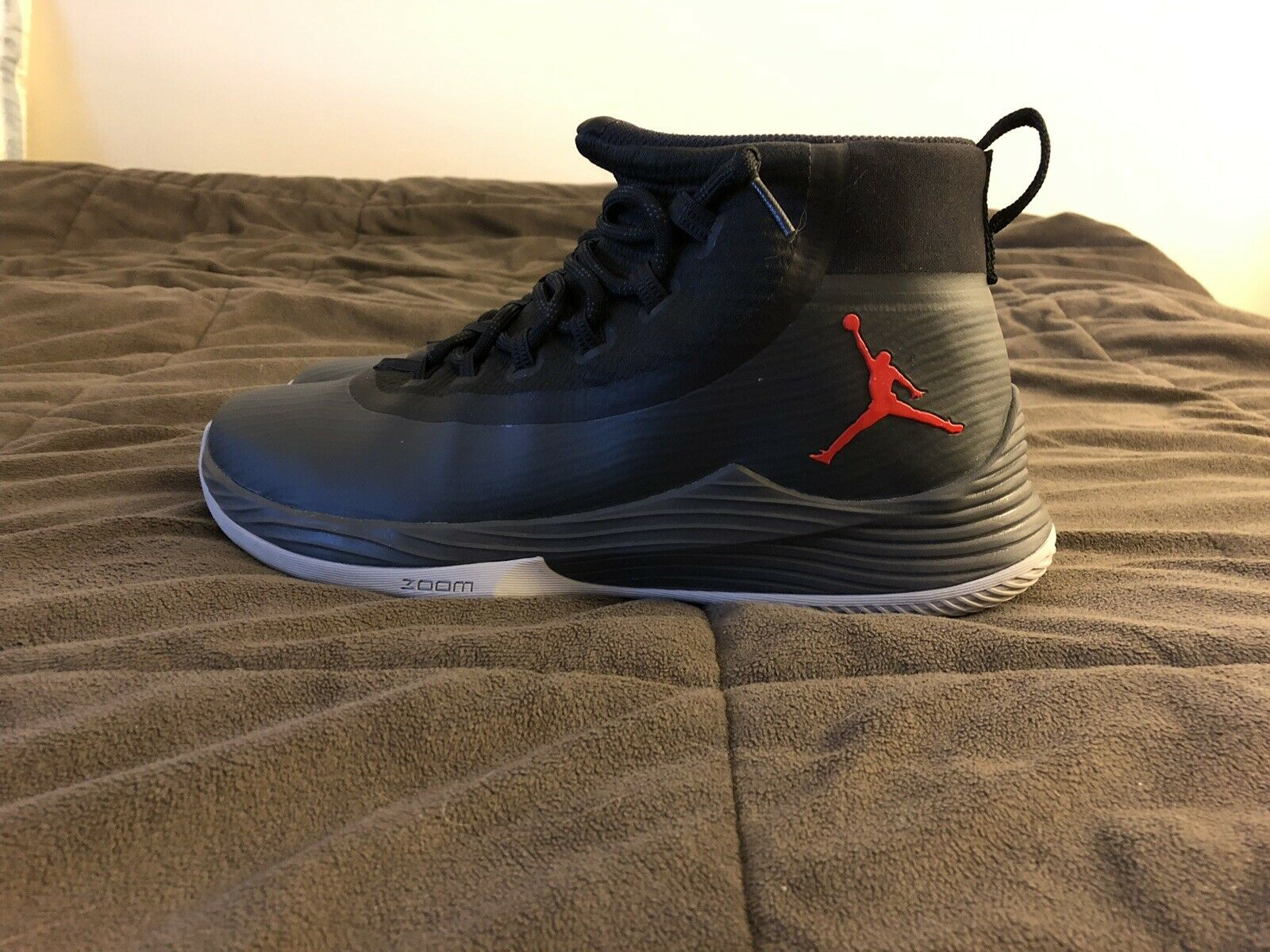 Jordan Ultra Fly 2 Anthracite Taille 12.5