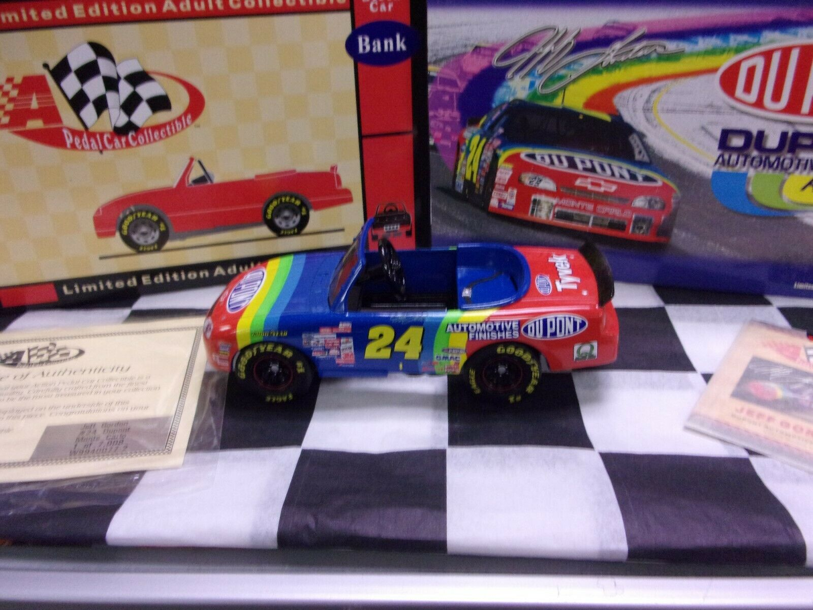 Jeff Gordon 1999 Dupont Action Pedal Car Collectables