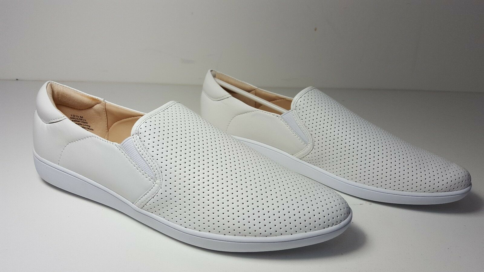 $79 size 10.5 Nine West Lildevil White Leather Sneakers Flats Slip Ons Shoes
