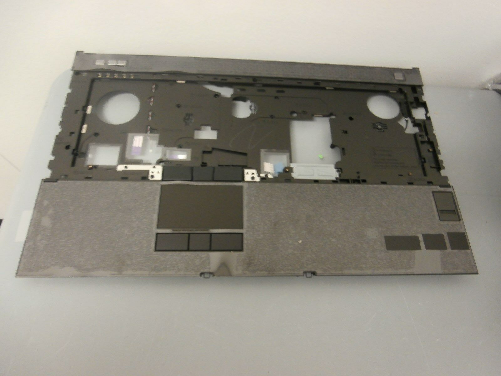 Palmrest P//N 90VC7  Y0G62 NEW Dell Precision M4700 TOUCHPAD