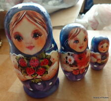 Superb Three smiling girls   RUSSIAN NESTING DOLL 3 PCS  LARGE 4.2*