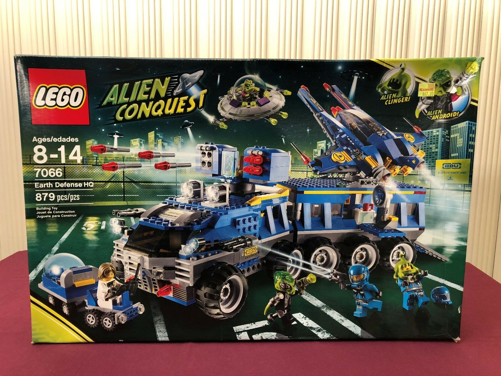 LEGO 7066 Alien Conquest Earth Defense HQ Brand NEW Sealed 879 Pieces Spaceship