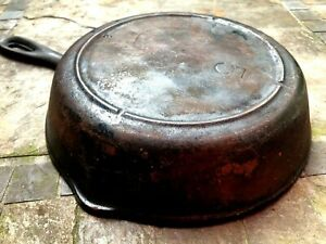 Vintage-1950-LODGE-Cast-Iron-Skillet-5-3-Notch-Heat-Ring-8-034-Smooth-Flat-Unmarked