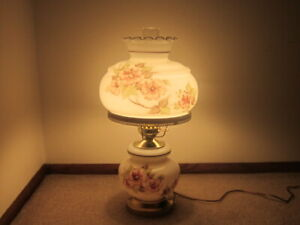 Vintage-GWTW-Gone-With-The-Wind-Large-Hurricane-Table-Lamp-Flowers-Wild-Roses