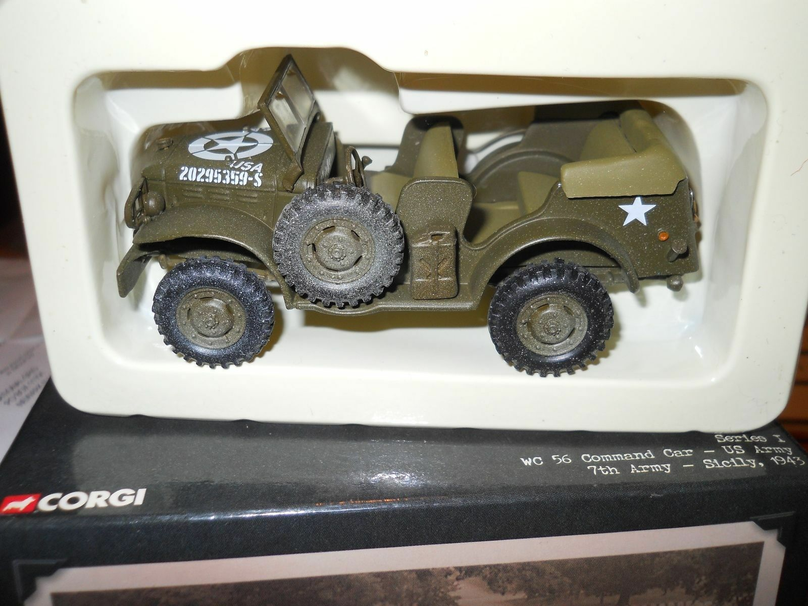 CORGI  WC 56 COMhommeD  voiture US ARMY 7TH ARMY 1943   CC51708 1 43  cherche agent commercial