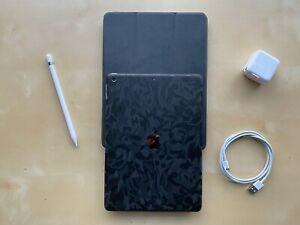 Apple iPad 6.ª Generación 9.7'' 32GB Wi-Fi + Accesorios