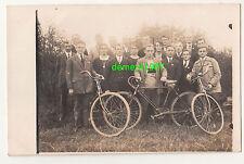 Foto Ak Gruppe junger Herren mit Fahrräder Fahrrad Rennrad Sportlerrad ! (A2097