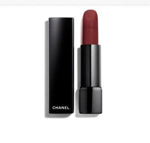 Chanel-Rouge-Allure-Velvet-Extreme-130-Rouge-Obscur-3-5g
