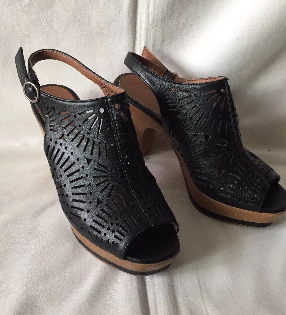 Andrea Black Stapy Wedge Heel Size 8.5