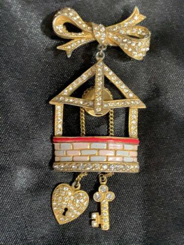Vintage Staret Wishing Well Brooch - Enamel, Gold,
