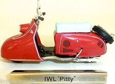 IWL Pitty Motorrad Motorroller rot DDR 1:24 ATLAS 7168116 NEU OVP LA4 µ