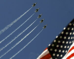 New-8x10-Photo-Thunderbirds-in-Formation-over-U-S-Flag
