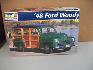 1/25  1948 FORD WOODY WAGON.  REVELL MODEL KIT.  USED/UNBUILT